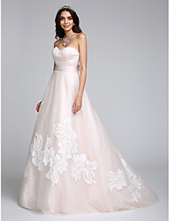 Lanting Bride® A-line Wedding Dress Sweep / Brush Train Sweetheart Tulle with Appliques