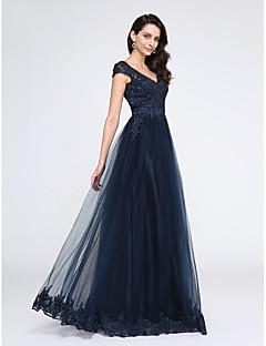 TS Couture® 포멀 이브닝 드레스 A-라인 V-넥 바닥 길이 튤 와 아플리케 / 비즈