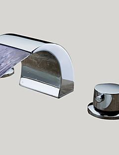 Çağdaş Ayrılmış Gövdeli LED / Şelale with  Seramik Vana İki Kolları Üç Delik for  Krom , Banyo Lavabo Bataryası