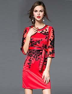 Damen Hülle Kleid-Lässig/Alltäglich Einfach Stickerei Rundhalsausschnitt Übers Knie ¾-Arm Rot Baumwolle / Polyester HerbstMittlere