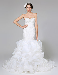 2017 Lanting Bride® Fit & Flare Wedding Dress - Glamorous & Dramatic Open Back Court Train Sweetheart Organza / Satin withAppliques / Beading
