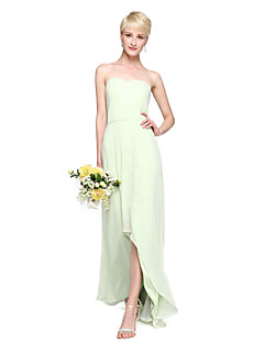 2017 Lanting Bride® Asymmetrical Chiffon Elegant Bridesmaid Dress - Sheath / Column Sweetheart with Pleats