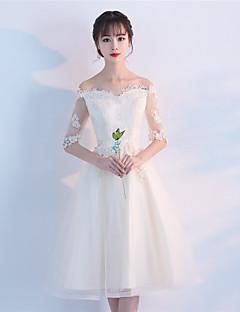 A-line off-the-shoulder knelengde blonder tulle cocktail party kjole med blonder