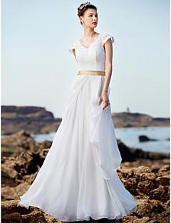 A-라인 웨딩 드레스 레이스 룩 바닥 길이 V-넥 쉬폰 레이스 와 러플 허리끈 / 리본