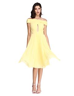 A-Linie Ke kolenům Šifón Koktejlový večírek Maturita Promoce Šaty s Křížení Sklady podle TS Couture®