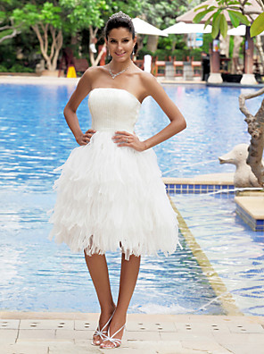 -lineは小柄な花嫁をランティング/プラスウェディングドレス膝丈ストラップレスオーガンザ/サテンのサイズ