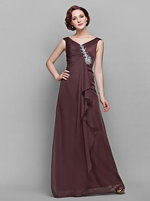 A-linje Plusstørrelse / Petite Kjole til brudens mor Gulvlang U. ærmer Chiffon - Krystaldetaljering / Flæser / Sidedrapering