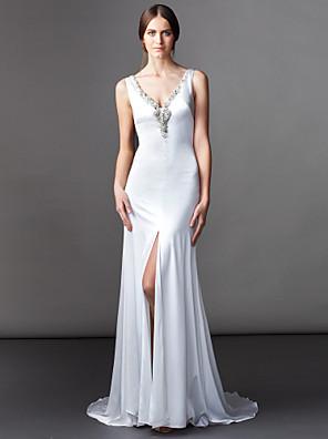 Lanting Bride® A-Linie Drobná Svatební šaty Dlouhá vlečka Do V Saténový šifon s