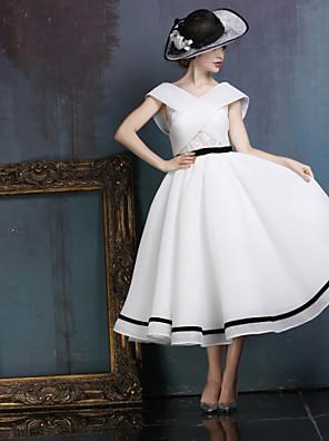 Galla i kjole og hvidt Kjole Balkjole V-hals Te-længde Blondelukning / Spandex med Blonde / Flæser / Bælte / bånd