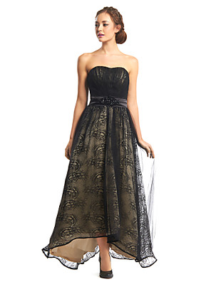 포멀 이브닝 드레스 A-라인 끈없는 스타일 비대칭 레이스 / 튤 와 드레이핑 / 레이스