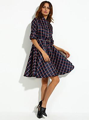 פוליאסטר עד הברך צווארון V משובץ דמקה שמלה נדן פשוטה נשים