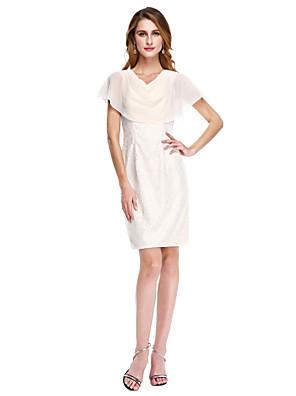 Lanting Bride® מעטפת \ עמוד שמלה לאם הכלה  - אלגנטי באורך  הברך ללא שרוולים שיפון / תחרה  -  קפלים
