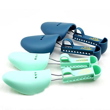 Kunststof schoenen oprekken