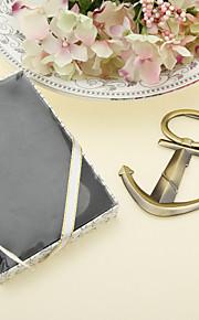 Anchor forme de décapsuleur de Chrome dans une boîte cadeau