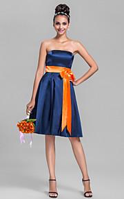 Knee-length Stretch Satin Bridesmaid Dress-Plus Size / Petite A-line Strapless