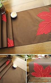 кленовый лист аппликация вышивка стол бегун кофе белый бегун
