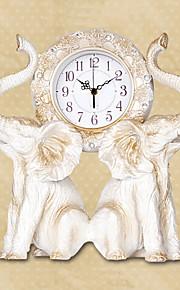Современный полистоуна стиле слона настольные часы 14.1 х 13.7