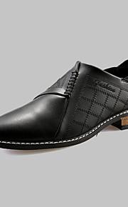 Chaussures Hommes Mariage / Bureau & Travail / Décontracté / Soirée & Evénement Noir / Marron / Rouge Polyuréthane Richelieu
