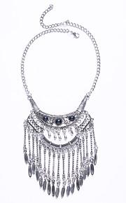 Modische Halsketten Obsidian Schmuck Halloween / Hochzeit / Party / Alltag / Normal Quaste / Modisch / Euramerican Aleación Silber 1 Stück