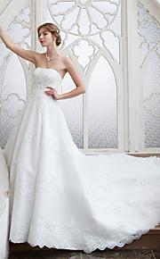 LAN TING BRIDE A-linje Bryllupskjole - Elegant og luksuriøs Blomsterblonder Kapellslep Stroppeløs Blonder medAppliqué Perlearbeid