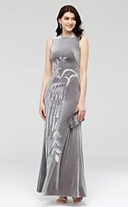 TS Couture Formell kveld Kjole - Kjendisstil Tube / kolonne Besmykket Ankellang Fløyel med Appliqué