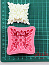 une cuisson moules silicone fleur carre fondant gateau au chocolat, des outils de decoration
