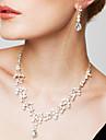 Pentru femei Seturi de bijuterii Cercei Toroane Coliere La modă Elegant costum de bijuterii Zirconiu Cubic Ștras Argilă Diamante