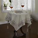 klasična bijela pamučna posteljina spoj cvjetne stolnjaka